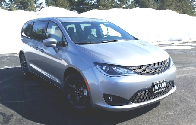 New 2019 Chrysler Pacifica TOURING PLUS Passenger Van for sale in marshfield wi