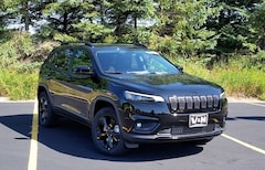 New Chrylser Dodge Jeep RAM 2019 Jeep Cherokee ALTITUDE 4X4 Sport Utility for sale in Marshfield, WI