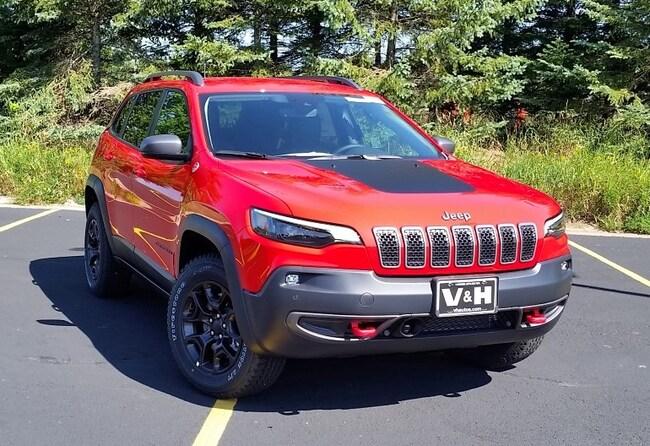 New 2019 Jeep Cherokee TRAILHAWK ELITE 4X4 Sport Utility for sale in marshfield wi