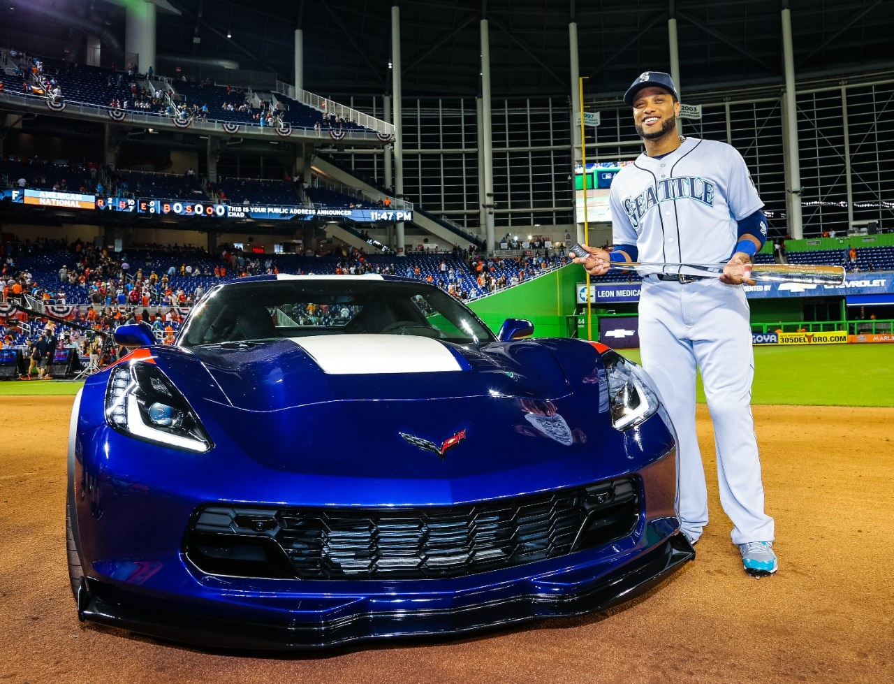Robinson Canó and new Corvette Grand Sport
