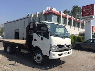 2019 HINO 195 With 16' flat deck