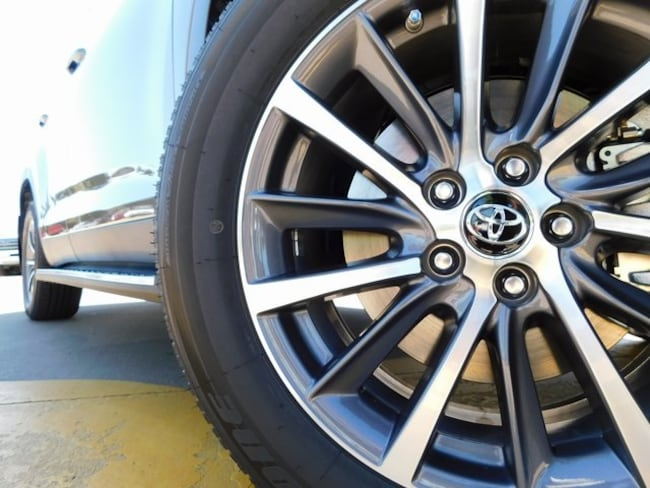 2019 Toyota Highlander XLE V6 SUV