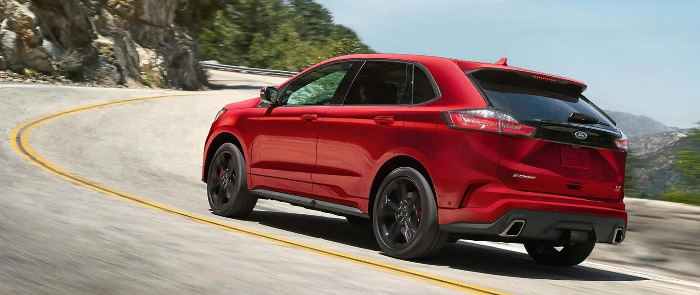 2019 Ford Edge Driving
