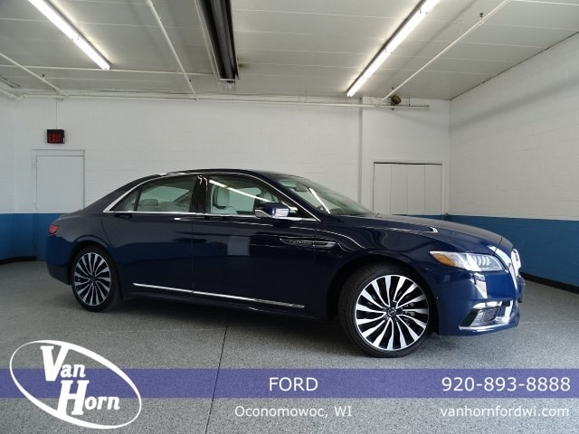 2017 Lincoln Continental Black Label Sedan