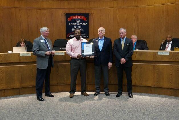 Van Hyundai in Carrollton, TX Receives Distinguished Award