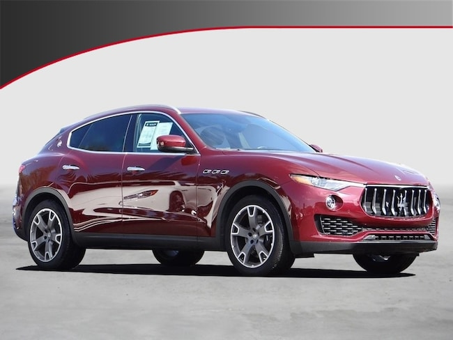 2017 Maserati Levante S SUV UQH224551