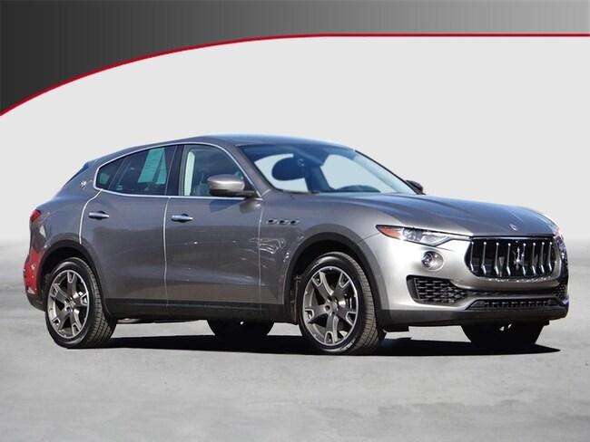 2017 Maserati Levante Base SUV UVH212434
