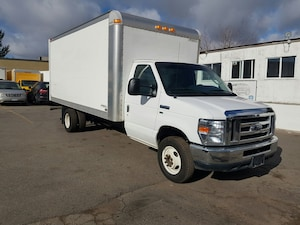2013 FORD E450 16Ft 5.4L V8 Gas 16Ft x 7Ft Box + Ramp