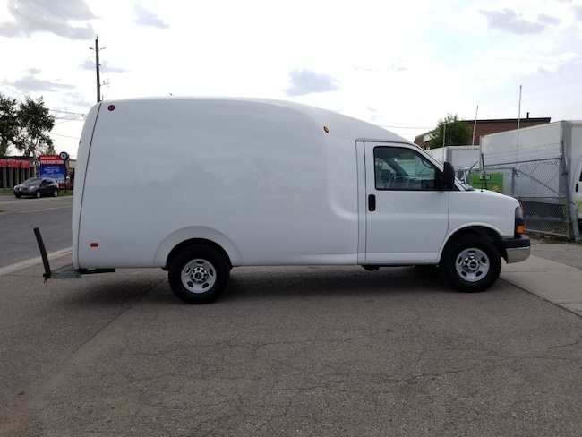 2013 GMC Savana 3500 G3500 12Ft Single Wheel Bubble Box Van Commercial