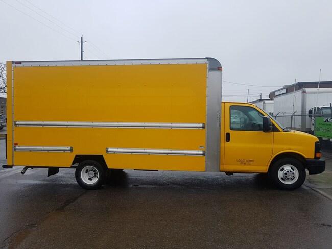 2012 GMC Savana G3500 16Ft V8 Gas Commercial
