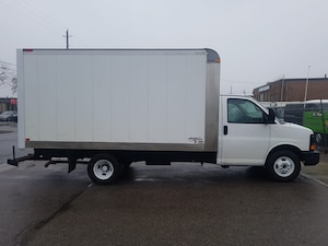 2010 GMC Savana 3500 G3500 14Ft V8 Gas + Tow Package - 4 To Choose