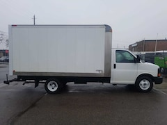 2010 Chevrolet Express G3500 14Ft V8 Gas + Tow Package - 4 to Choose Commercial
