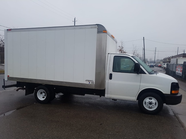 2010 GMC Savana 3500 G3500 14Ft V8 Gas + Tow Package - 4 To Choose Commercial