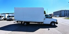 2014 CHEVROLET Express 3500 16Ft V8 Gasoline Unicell Box