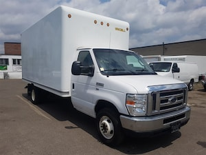 2013 Ford E-450 16Ft 5.4L V8 Gasoline + Ramp