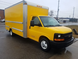 2012 Chevrolet Express G3500 16Ft V8 Gas + Ramp