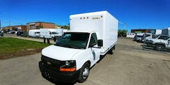 2014 Chevrolet Express 3500 G3500 16Ft Unicell Box V8 Gasoline + Ramp Commercial