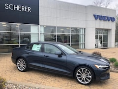 New 2019 Volvo S60 T5 Momentum Sedan 7JR102FK1KG013330 for Sale in Peoria, IL