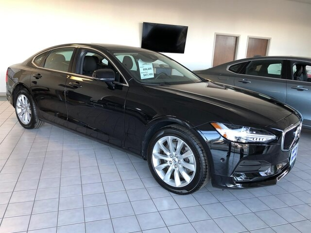 Pre-Owned Featured 2017 Volvo S90 T6 AWD Momentum Sedan for sale in Peoria, IL