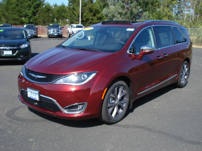 New 2018 Chrysler Pacifica LIMITED Passenger Van For Sale/Lease Coos Bay, OR