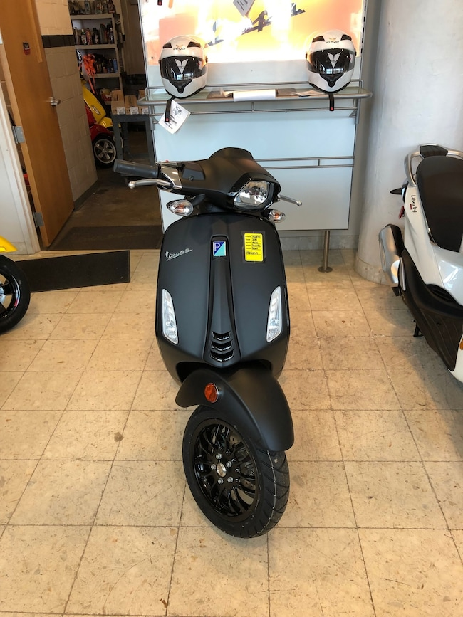 New 2019 Vespa SPRINT150 Scooter in Boston, MA