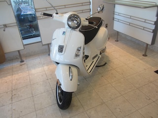 New 2018 Vespa GTS 300 Scooter 1800656 for sale near you in Boston, MA