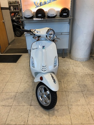 New 2019 Vespa PRIMAVERA50 49CC 1900034 Boston, MA