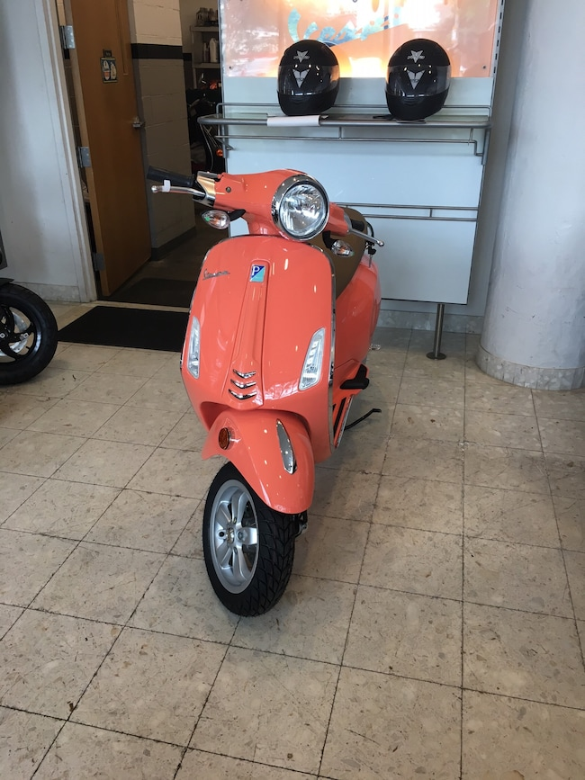 New 2018 Vespa PRIMAVERA50 49CC in Boston, MA