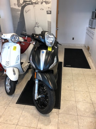 New 2018 Piaggio BV350 Scooter 1800203 Boston, MA