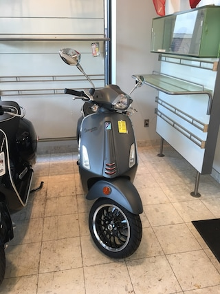 New 2019 Vespa SPRINT150 Scooter 1900747 for sale near you in Boston, MA