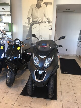 New 2019 Piaggio MP3 Scooter 1900225 for sale near you in Boston, MA