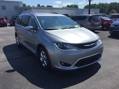 2018 Chrysler Pacifica Hybrid LIMITED Passenger Van 2C4RC1N79JR355315