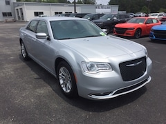 2019 Chrysler 300 TOURING Sedan 2C3CCAAGXKH648292