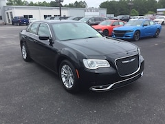 2019 Chrysler 300 TOURING Sedan 2C3CCAAG6KH648290