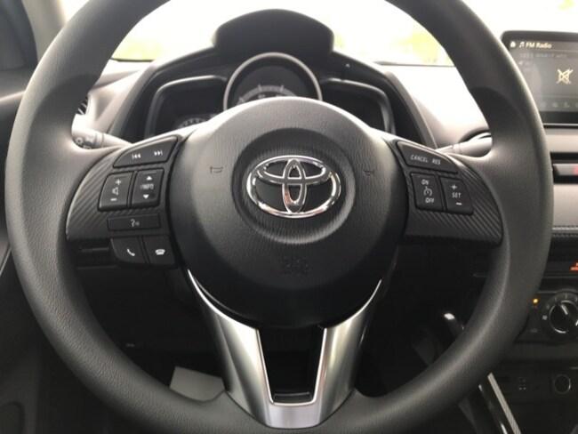 toyota yaris steering wheel hard to turn