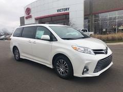 2019 Toyota Sienna XLE 8 Passenger Van 5TDYZ3DC9KS990239