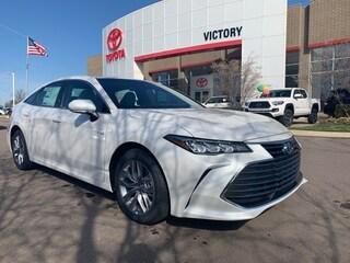 New 2019 Toyota Avalon Hybrid XLE Sedan 4T1B21FB8KU009229
