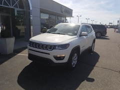 Used Vehicles for sale 2018 Jeep Compass LATITUDE 4x4 3C4NJDBB6JT331811 in Terre Haute, IN