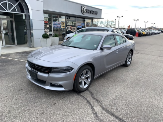 Used 2018 Dodge Charger SXT Sedan in Terre Haute