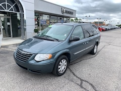 Used 2006 Chrysler Town & Country TOURING Minivan under $10,000 for Sale in Terre Haute, IN