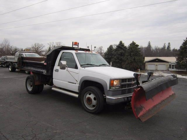 2002 Chevrolet C3500 HD Chassis Truck Regular Cab