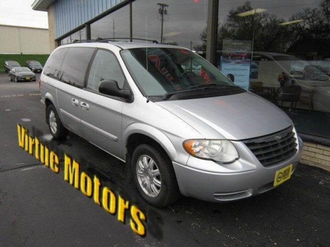 used 2006 chrysler town country touring for sale darlington wi. Black Bedroom Furniture Sets. Home Design Ideas