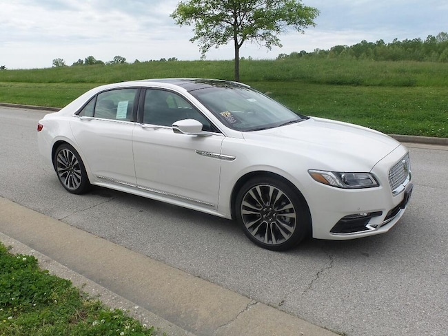 2019 Lincoln Continental Select Front-Wheel Drive Sedan SELECT FWD