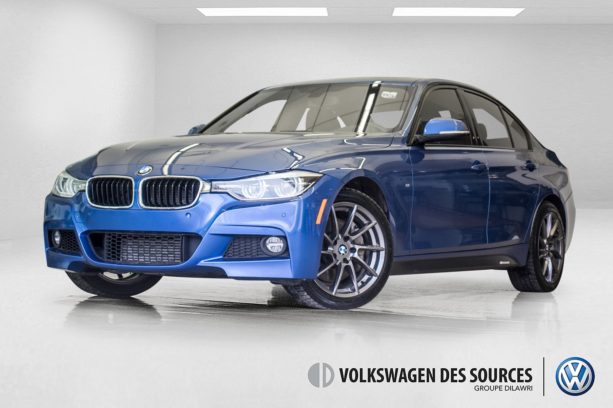 2016 BMW 328i xDrive + MPERFORMANCE + NAV + HEADS UP Berline
