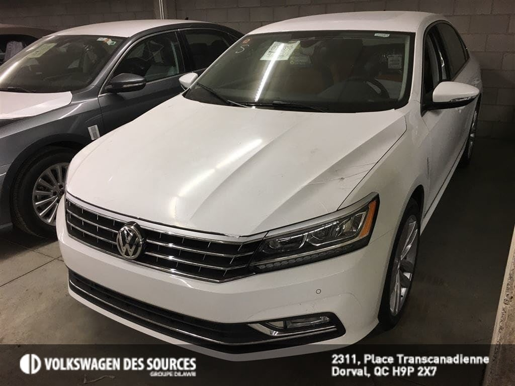 2018 Volkswagen Passat Highline 2.0T 6sp at w/Tip Sedan