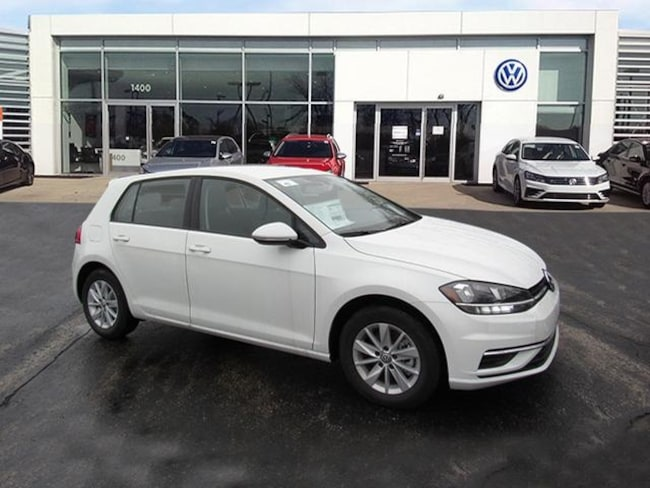 New luxury vehicles 2018 Volkswagen Golf TSI S Hatchback for sale near you in Milwaukee, WI