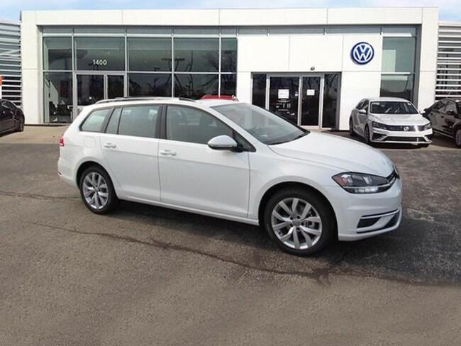 New luxury vehicles 2018 Volkswagen Golf SportWagen TSI SEL Wagon for sale near you in Milwaukee, WI