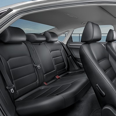 Volkswagen Passat Interior and Exterior Vehicle Features