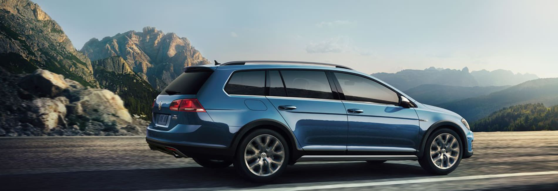 Volkswagen Golf Alltrack Interior and Exterior Vehicle Features
