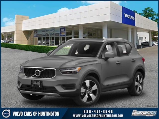 2019 Volvo XC40 T5 Momentum SUV for sale on Long Island